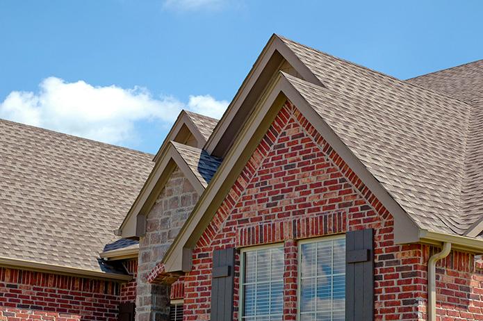 wood-vs-asphalt-roof-shingles-MI-Home-Improvement-Contractors