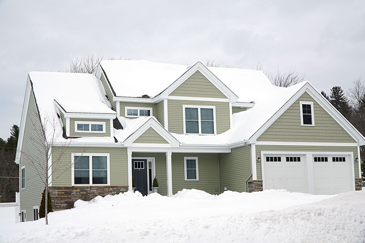 replacing-siding-in-the-winter-MI-residential-siding-installers